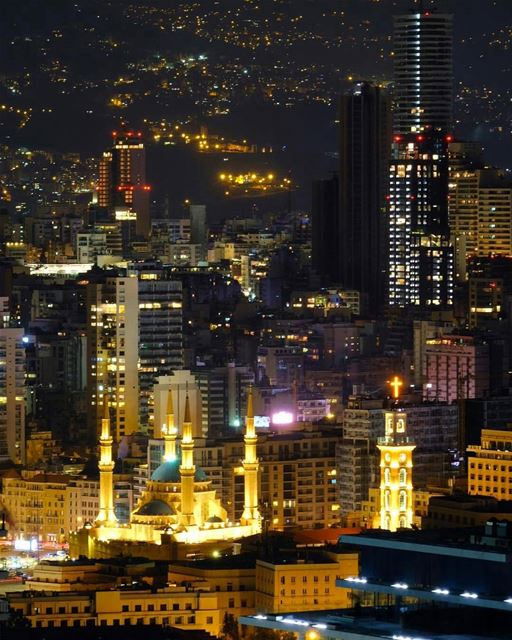 An eagle eye look at Beirut where mosques embrace churches.By @al_1002 ... (Downtown Beirut)