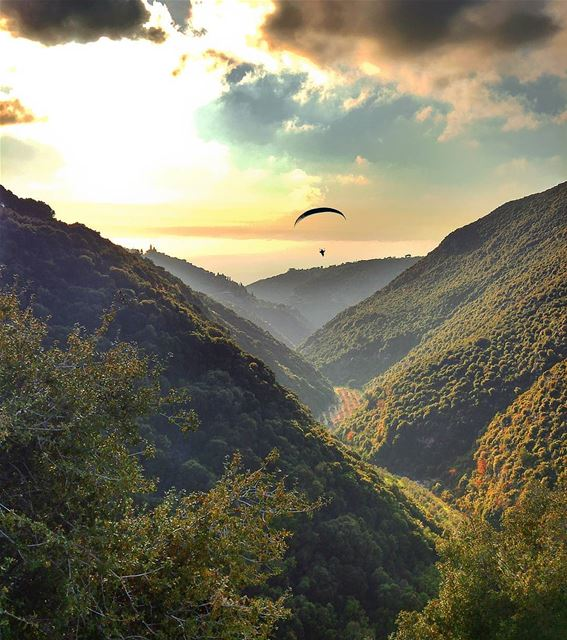 Sunset at Jrebta ✌ lebanon nature naturelovers natureporn landscape ... (Jrabta, Liban-Nord, Lebanon)