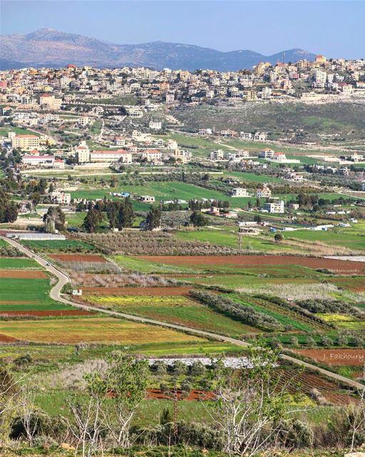 Spring roads @livelovemarjeyoun (Marjayoûn, Al Janub, Lebanon)
