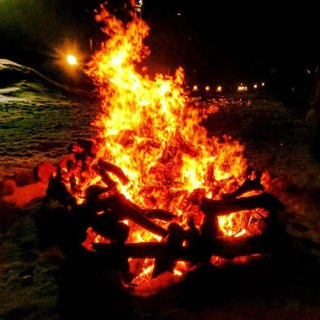 tb alaska night camp campvibes fire campfire bonfire adventure... (Cedars of God)