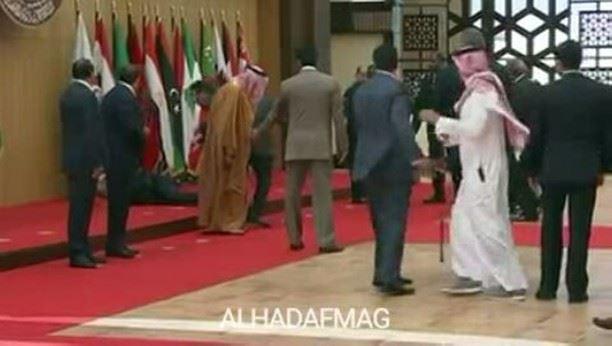 سقوط رئيس الجمهورية اللبنانية ميشال_عون قبيل بدء القمة_العربية في الأردن...