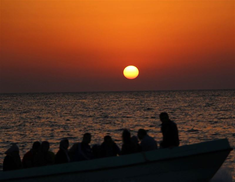 Sail away. sunset sunsetlovers boats sailing livelovebeirut... (Raouché)