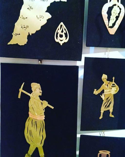 Традиционная национальня чеканка в Ливане из латуни(меди) на весеннем фести (Maarad Rachid Karameh)