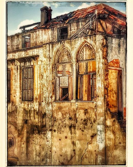A house in ruins  house  ruins  war  memories  lebanonhouses  oldhouses ... (Spears - Hamra)