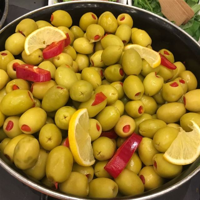 olives greenolives oliveslovers hot delecious tasty😋 oliveoil ...