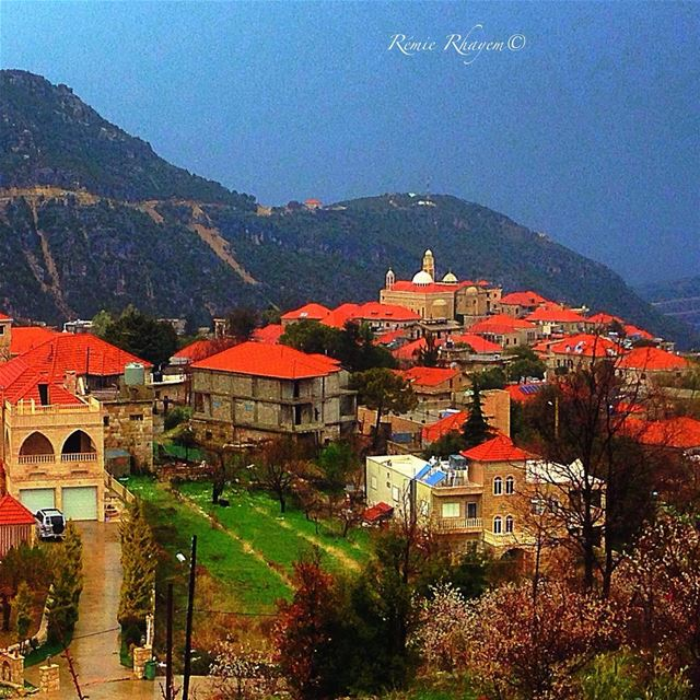 ~When in Douma😍🏡~ bricks tradition house moutain village landscape... (Douma, Liban-Nord, Lebanon)