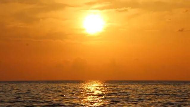 Listen to the sun ☀️ sunset sunsetlovers beirut lebanon timelapse... (Raouché)