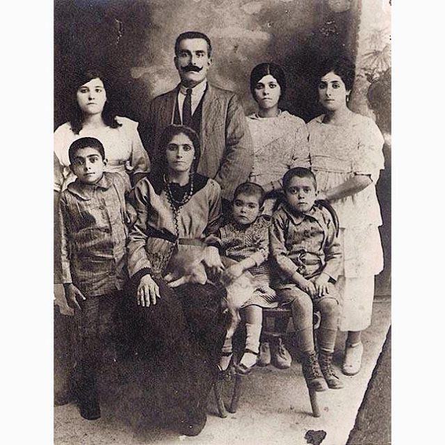 عائلة بيروتية سنة ١٩١٢،