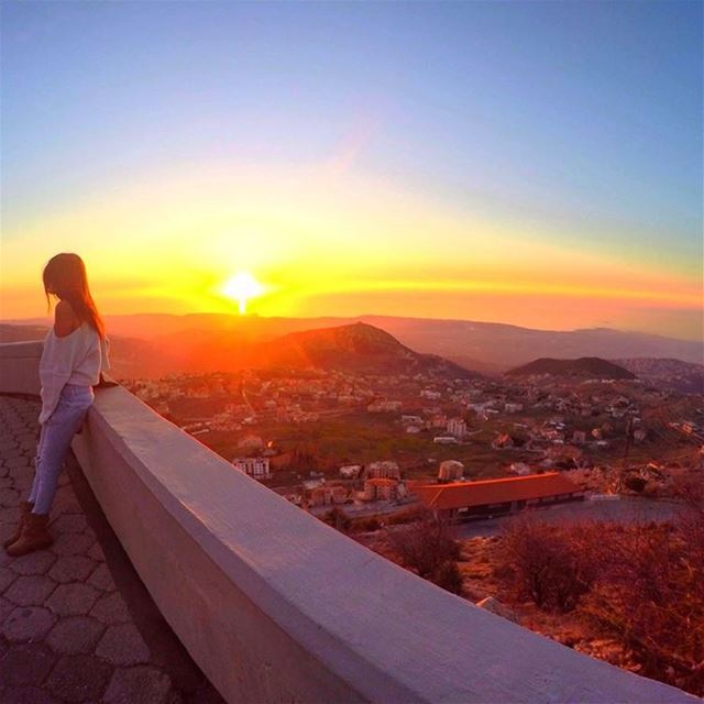 But these are the days we dream about, when the Sunlight paints us Gold 🌄... (Saydet El Hosn - Ehden)