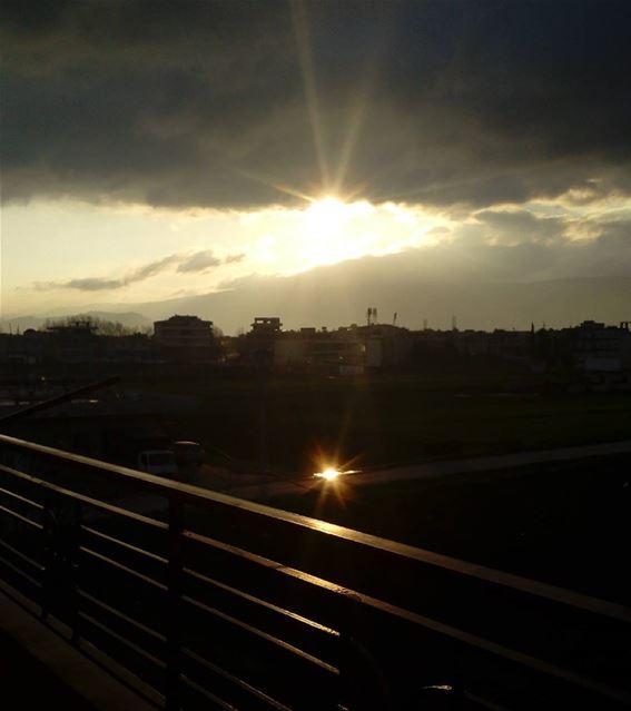 シAweSomeNesSツ 💜 aWeSoMeNeSs ☀reflection of the sun on the water myshot...