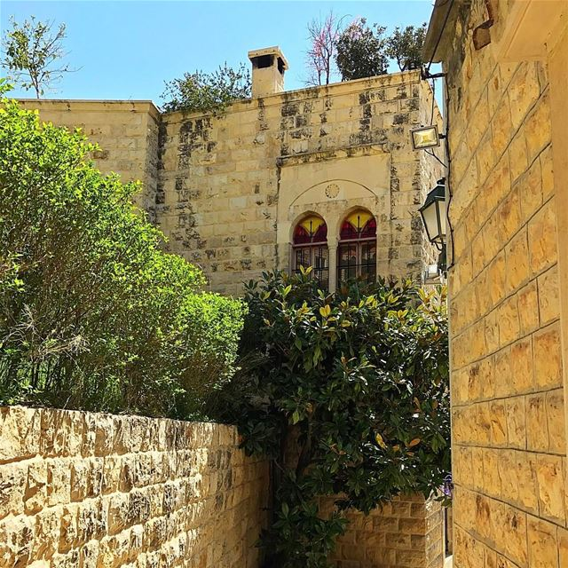 Beautiful sunny day💞welcome spring 2017💞 insta_lebanon whatsuplebanon... (Dayr Al Qamar, Mont-Liban, Lebanon)