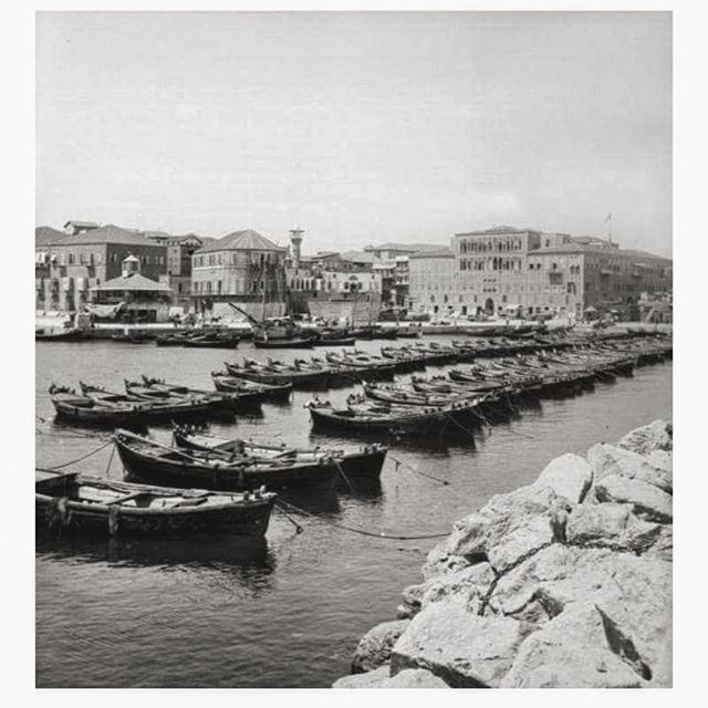 The Port Of Beirut And Khan Antun Beik In 1912 .