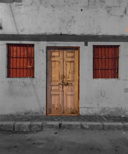 Hellō igers 👋🏼 ........ instagram picoftheday photooftheday ... (Mar Mikhael-Armenia The Street)