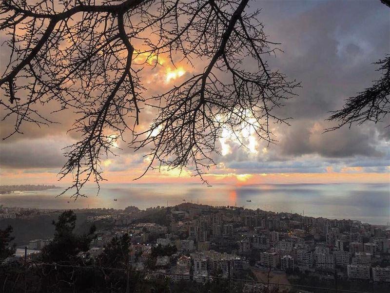 Magical moment📸 @jowybitar 👑🎨✨ @pietrobassil 🙋🏻♂️ (Mar Elias jeita)
