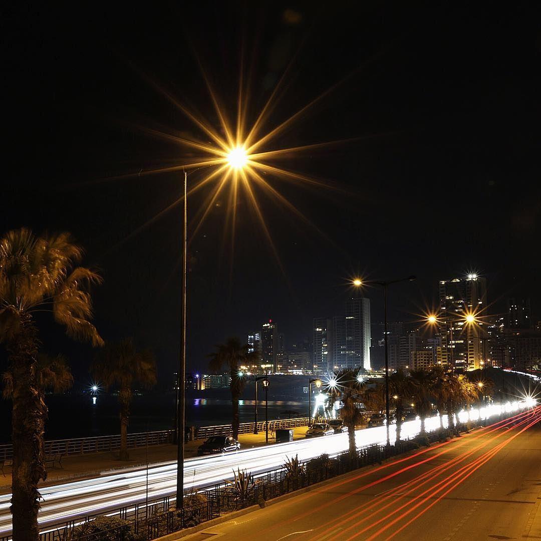 Busy highway.... lighting highway painting lightpainting longexposure... (Ramlet El Bayda)
