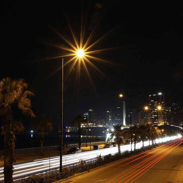 Busy highway.... lighting highway painting lightpainting longexposure... (Ramlet El Bayda)