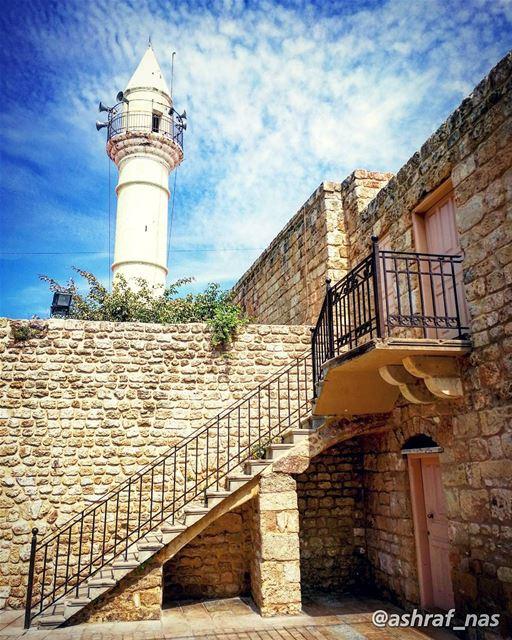اللهم لا تدع هما الا فرجتهولا غما الا كشفتهولا ذنبا الا غفرتهولا حاجة لك (Tyre, Lebanon)