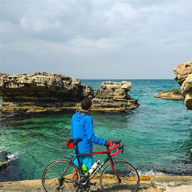 Time to jump :)... lebanon instagood cycling roadbike scottbikes ...
