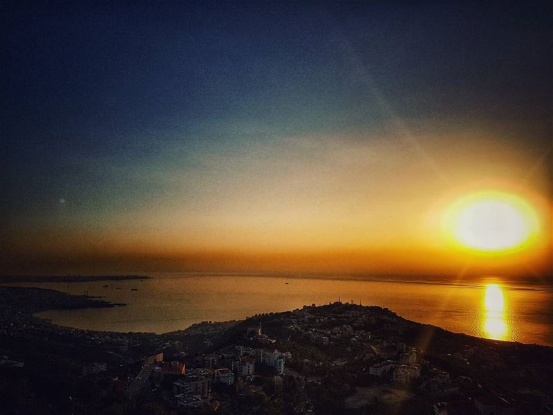 In love with  sunnydays 🌅 sunsets  sunset_hub  sunsetporn  sunset_pics ... (El Kfour, Mont-Liban, Lebanon)