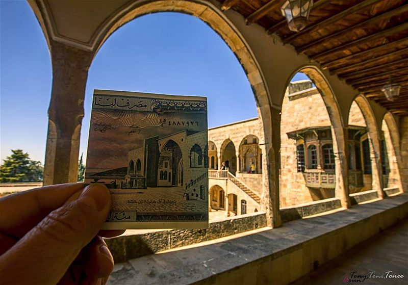 Between the past and the present !!!  lebanon  beiteddine ... (Beiteddine Palace)