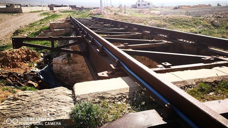 The railway line in Lebanon runs through el kaa 🛤️خط السكة الحديدية قي ال (El Kaa, Béqaa, Lebanon)