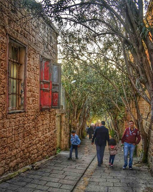 Your heart knows the way. Run in that direction - Rumi ... (Old Souk- Jbeil)