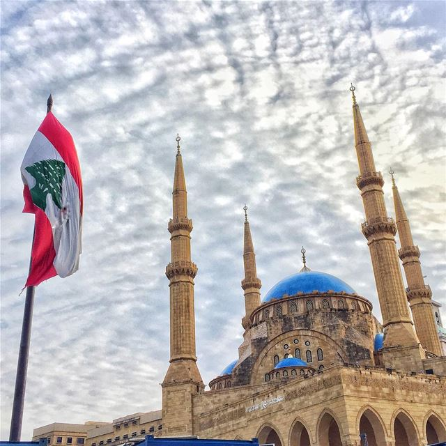 Lebanon flag mosque archilovers streetphotography blue sky clouds ... (Beirut, Lebanon)