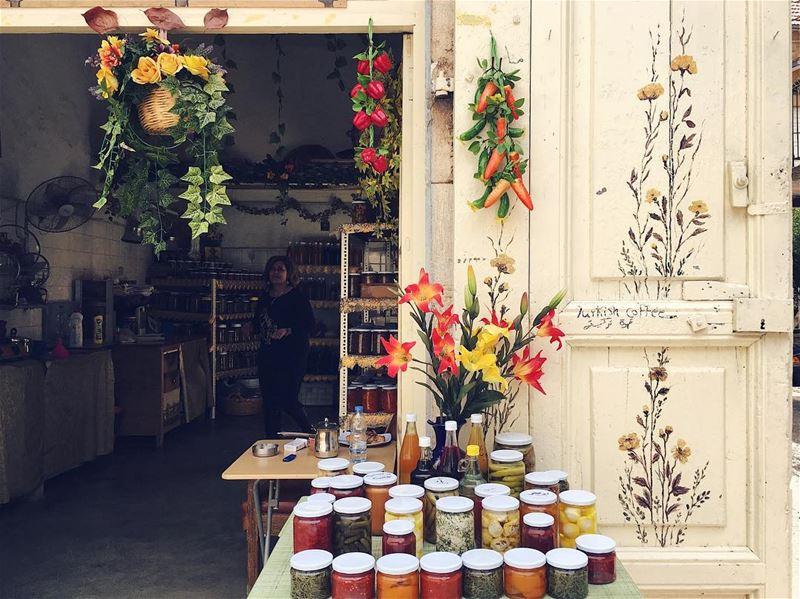 مونة دوما.. douma lebanon photooftheday picoftheday village market... (Douma, Liban-Nord, Lebanon)