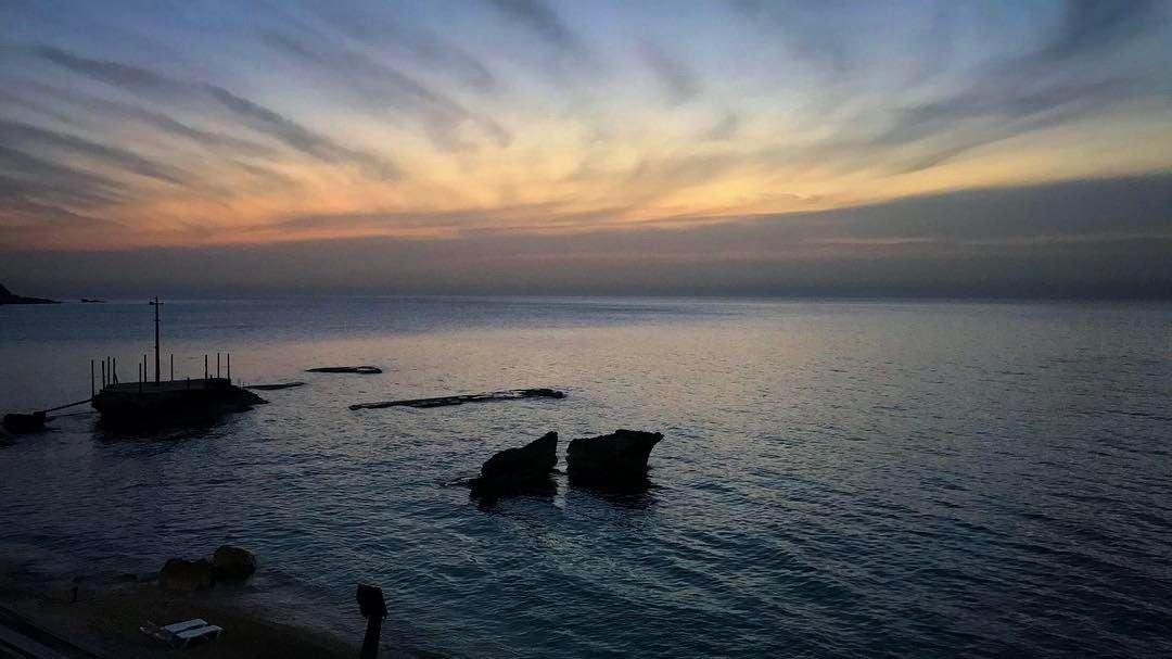 livelovelebanon livelovebatroun explore rocks wonderful view ocean ... (Batroûn)