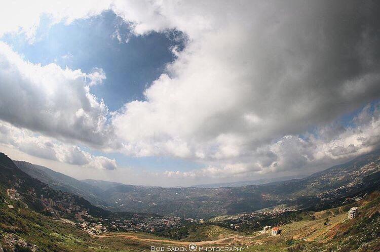 F A R & B E Y O N D 🎐 lebanonspotlights lebanoninapicture ... (Sawfar, Mont-Liban, Lebanon)