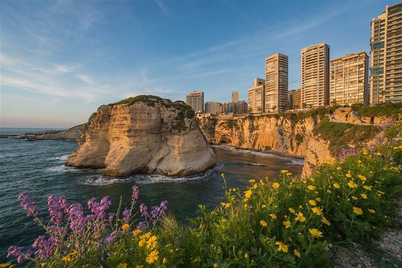 Back to the blooming colors of Beirut lebanon ... (دالية الروشة، بيروت)