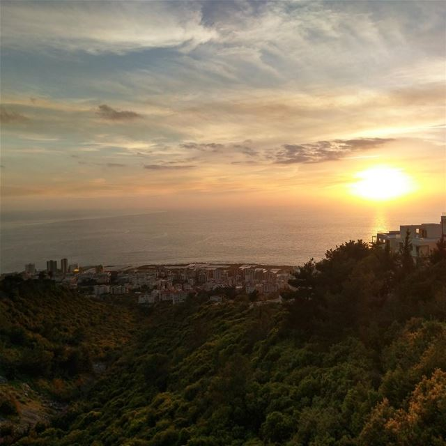 Lebanese sunsets needs no filter 😍😍🇱🇧🇱🇧 beautifuldestinations ...