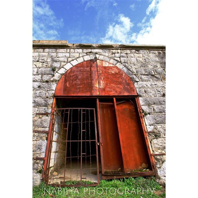 The Gate walk vintage tripoli gate photography tower arch ...