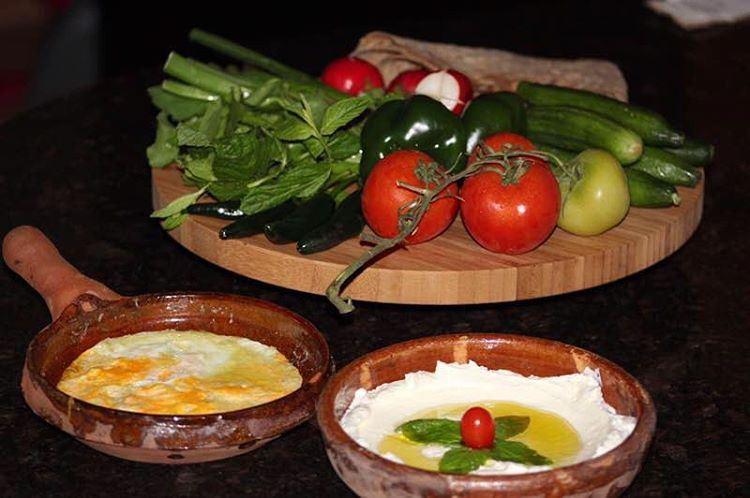 traditional lebanese breakfast healthyfood healthylifestyle ... (Ghaziyé, Al Janub, Lebanon)