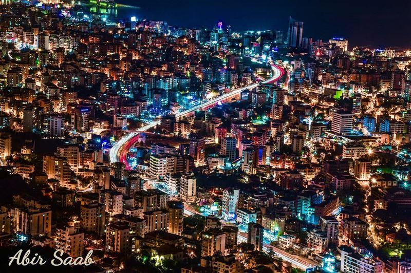lebanon jounieh jouniehbynight vibrant city livelovekeserwan ... (Joünié)