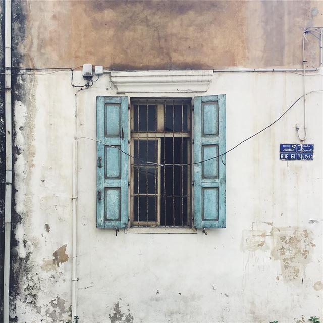 شبابيك بيروت • rue...