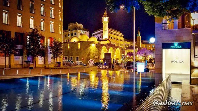 حبيبي ليل وسهريرسم وجهي ع الشجر...وتضوي فينا المدينةونصفي نحن الزينة...... (Beirut, Lebanon)