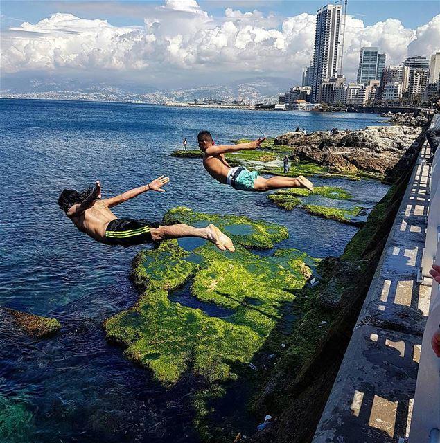 Superman's diveBy @naylarazzouk CornicheBeirut AlManara AinElMrayseh ... (Corniche Manara Beirut)