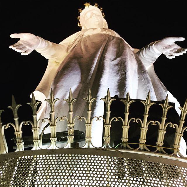 يا أُمَّ الله يا حنونة، يا كنْزَ الرحمة والمعونةْ. انتِ ملجانا ، وعليكِ رجا (Our Lady of Lebanon)
