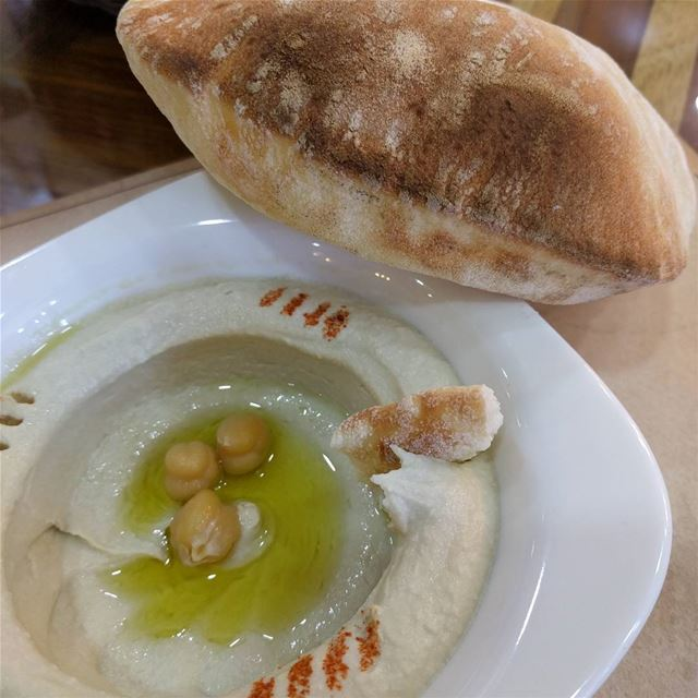 حمص lebanesefoods food foodlovers traditionallebanesefood yummy ...