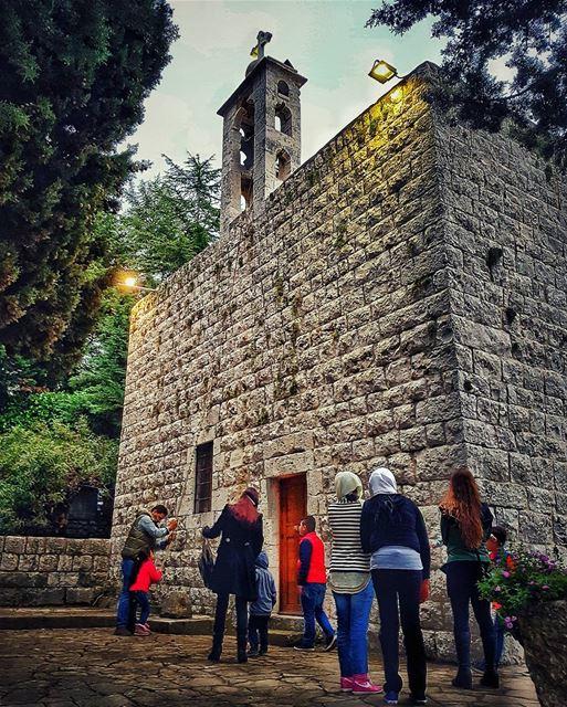 خميس الاسرار 🙏 churches kids nationalart architecturelovers ... (Saint Antoine De Padoue)