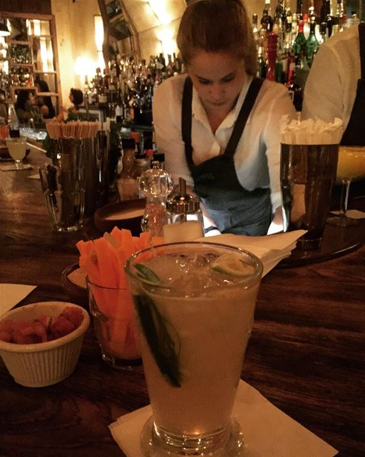 A talented bartender and an amazing drink to kick off a long weekend @santa (Santana Food & Drinks)