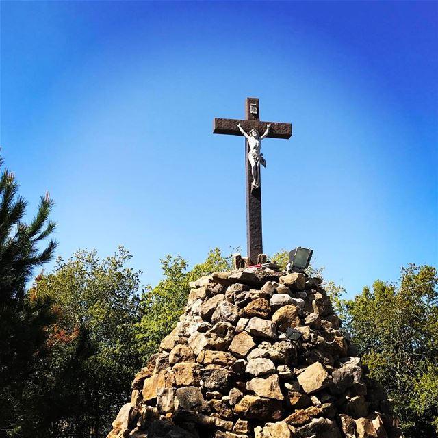 lebanon dlebta mountlebanon livelovelebanon livelovedlebta cross jesus... (Dlebta, Mont-Liban, Lebanon)