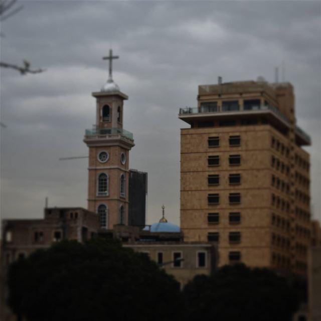 بهذه العلامة سننتصر🙏 ig_lebanon insta_lebanon Lebanon lebanontimes ... (Saint George Beirut)