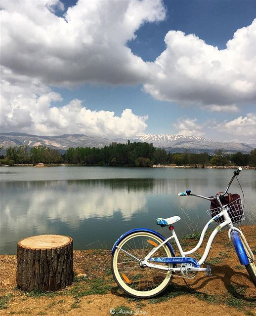 take a deep breath & enjoy the view ... 🚲 love bike ride taanayel ... (Taanayel Lake)