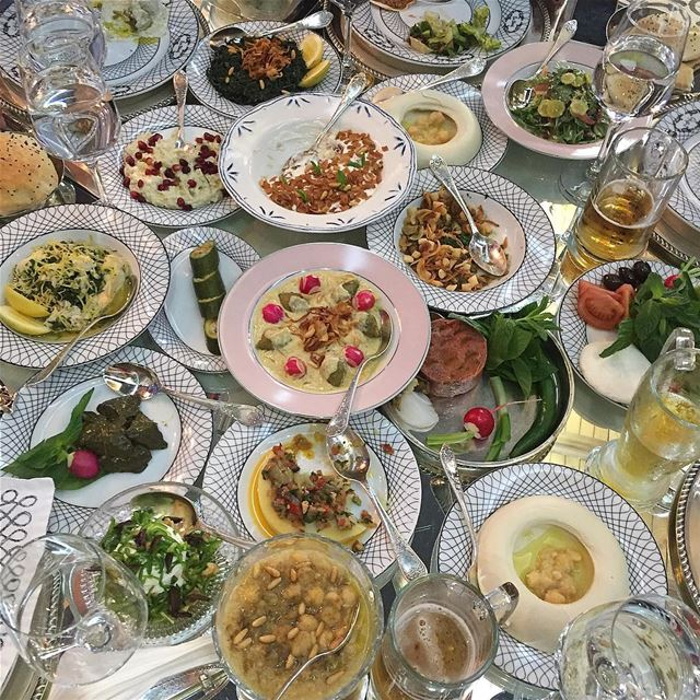 Food bonanza @emsheriflebanon yummy yummy food served in a beautiful... (Em Sherif Restaurant Beyrouth)