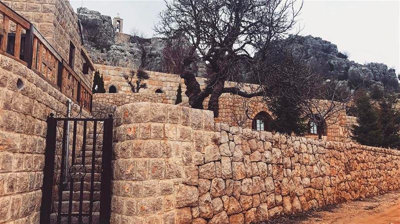 beautifulday beautiful livelovelebanon hidden trees rocks amazing ... (Klayaat)