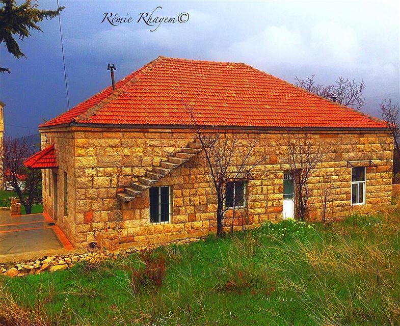 ~ بلا ولا شي~ douma lebanon house brick village tradition ig_today ... (Douma, Liban-Nord, Lebanon)