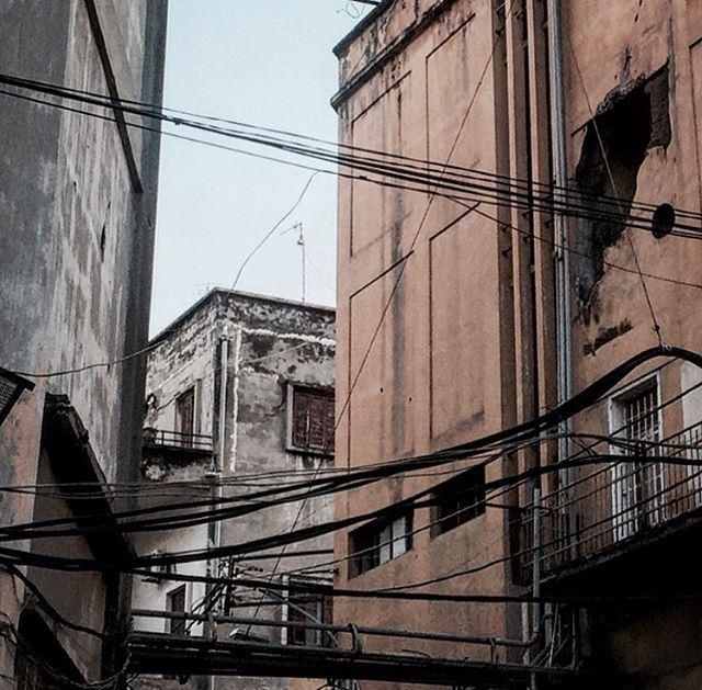 🏙 ........ buildings warscars oldstreet olddays oldbuildings ... (Achrafieh - Mar Mikhael)