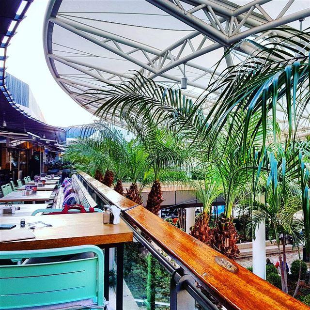 lebanon beirut achrafieh ashrafieh ABC mall pub divvy restaurant ... (Divvy ABC Ashrafieh)